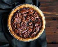 Cravepie-chocolatebourbanpecanpie-1